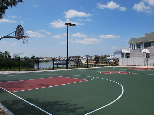 Bayside Park basketball court