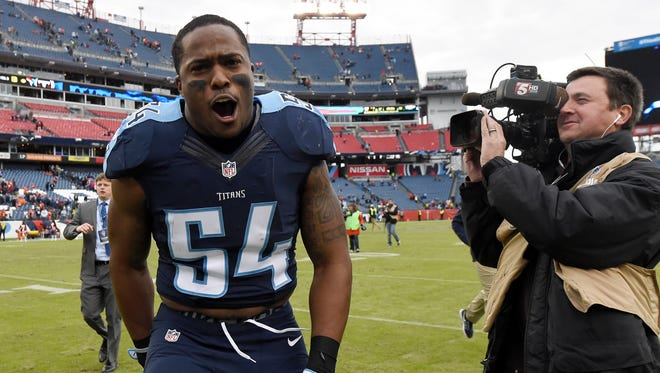 Titans inside linebacker Avery Williamson celebrates the team's 13-10 win over the Broncos on Sunday.