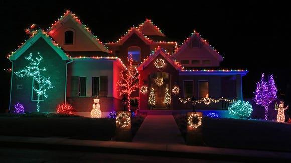 Colorful Christmas Lights On House.Explore Cedar City S Christmas Lights By Car On Foot