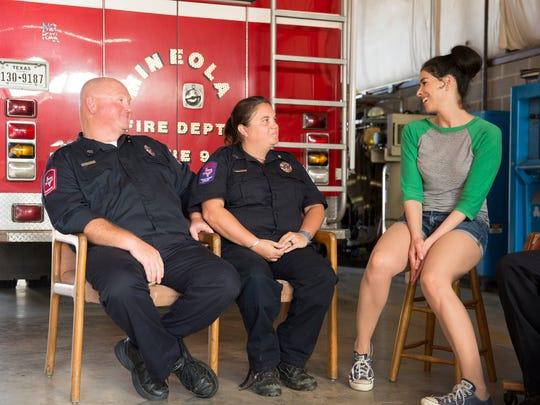 Sarah Silverman, right, chats with Mineola, Texas,