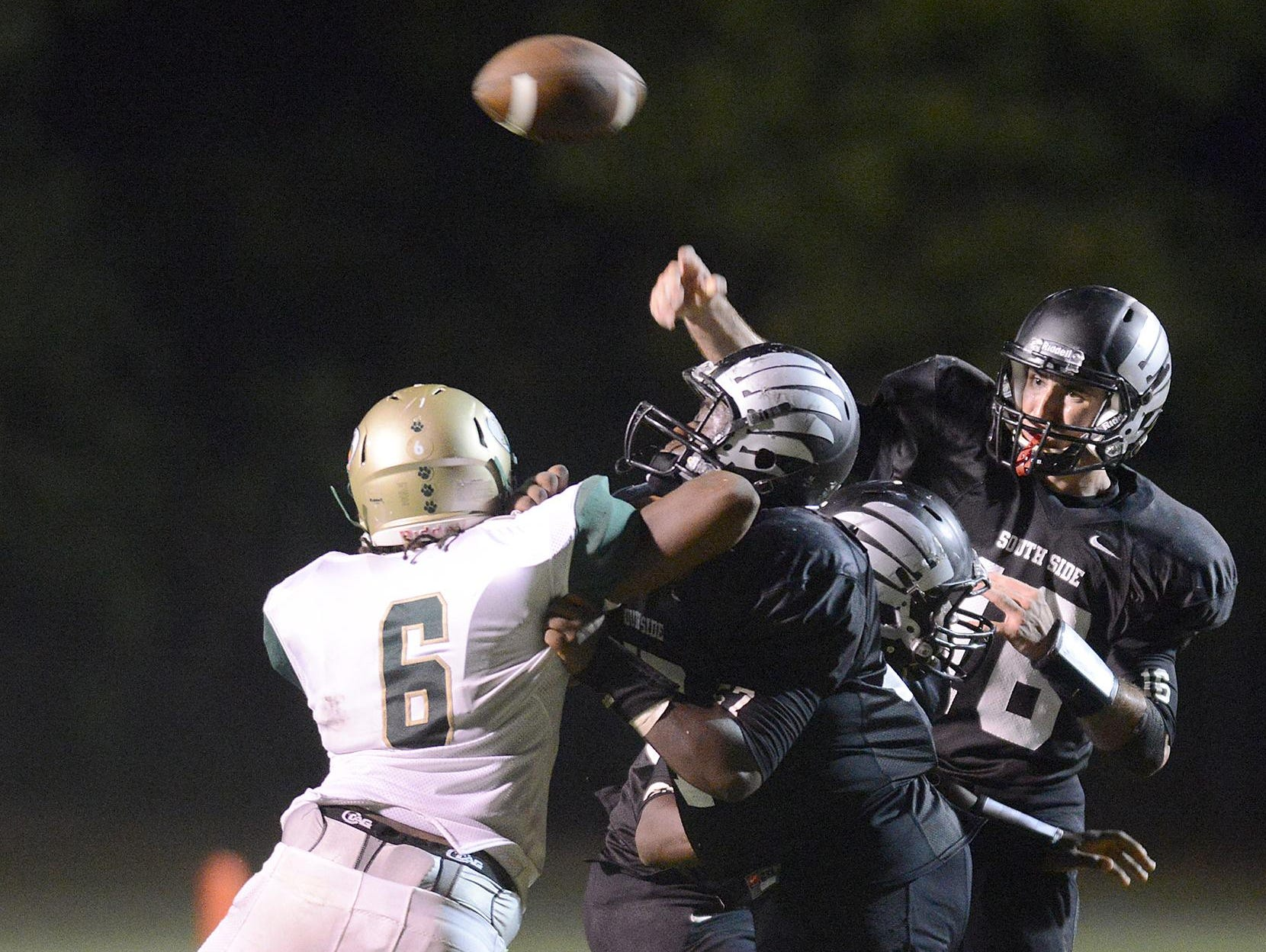 South Side's Cade Willingham (16) passes against Bolivar at South Side on Friday.