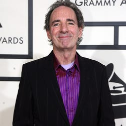 All is well in Springfield once more, as Harry Shearer returns to the fold. The actor, who voiced a good portion of the 'Simpsons' characters, has signed a new contract.