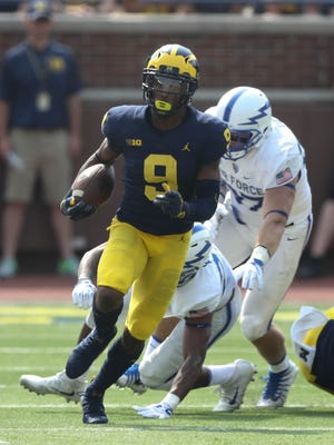 Michigan's Donovan Peoples-Jones runs by Air Force defenders during the second quarter Saturday, Sept. 16, 2017 at Michigan Stadium.