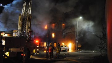 Fire destroys Marshalltown apartment complex