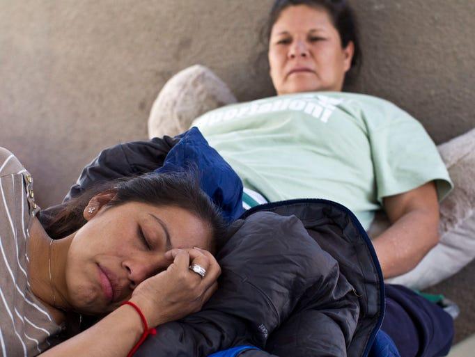 Lourdes Hernández, Anselma López, Jovana Rentería, Hermina Gallego, Alejandra Sánchez y Jose Luis Valdez, son las seis personas en huelga de hambre para exigir que se frenen las deportaciones de sus familiares.