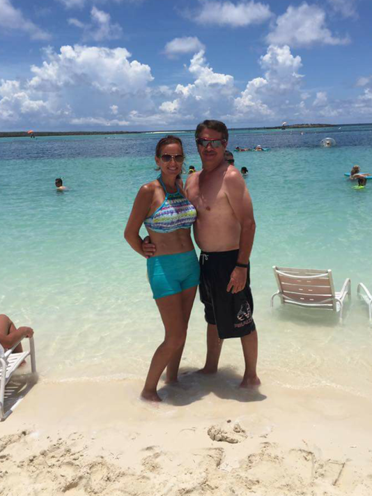 636389068664361356-shannon-and-husband-on-beach.png