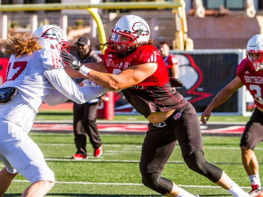 Southern Utah defensive lineman Taylor Pili practices