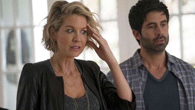 "A fiercely independent career woman, Alice (Jenna Elfman) has her life turned upside-down when she meets Ben (Stephen Schneider), a divorced father with three children, and soon falls head-over-heels for him. This triggers more upheaval when the imaginary friend she created as a child, Mary, suddenly reappears as she is nervous to meet Ben's kids for the first time, on the special preview of ""Imaginary Mary."""