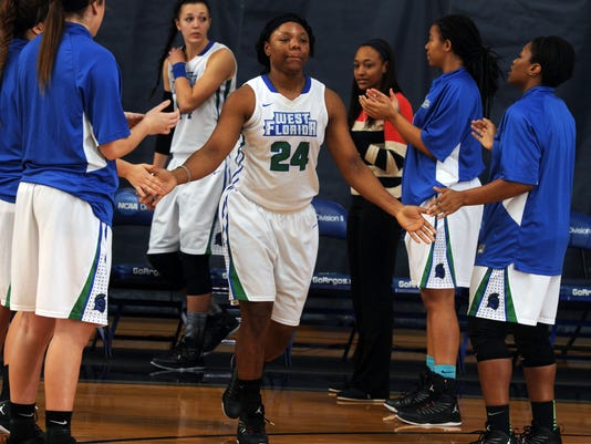 UWF Basketbal vs Lee 4