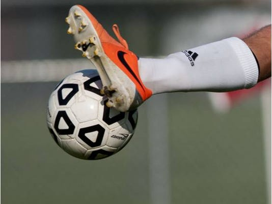 635781220628220316-soccer