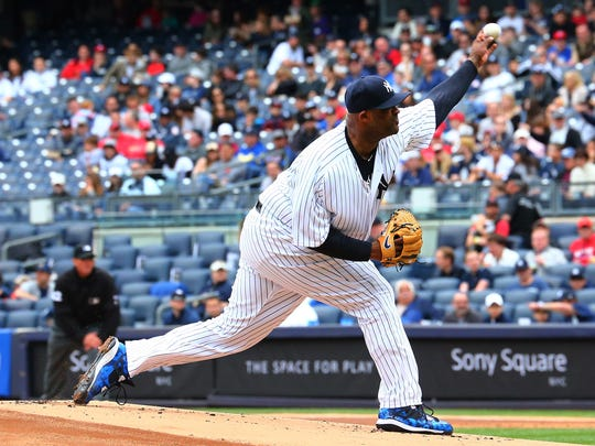 New York Yankees starting pitcher CC Sabathia pitches