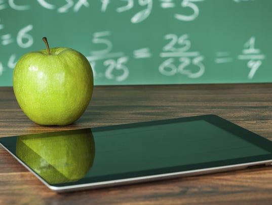 SCHOOL ipad apple.jpg