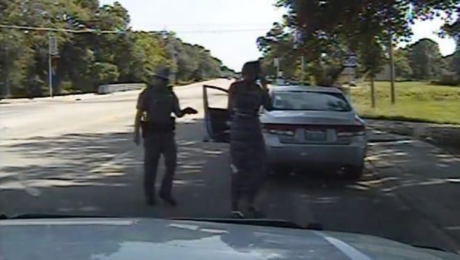 Dashcam video of Texas trooper Brian Encinia arresting Sandra Bland.