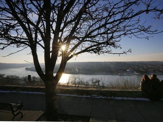 Sunrise at Eden Park's overlook.