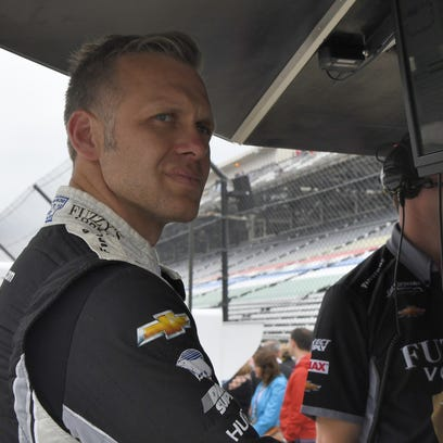 Indy's Ed Carpenter wins Indy 500 pole