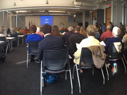 Standing room only during meeting where Des Moines