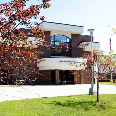 Free college application seminar, job fair in Harrison, Michigan, on Oct. 6