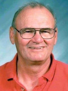 Dennis Holt