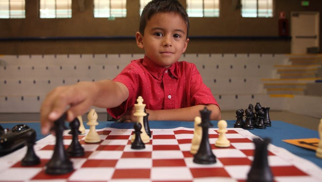 La cinta, que se desarrolla en Sonora, relata la historia de Jeremías (Martín Castro), un niño de ocho años que al enterarse de que es superdotado, inicia un viaje hacia su autodescubrimiento.