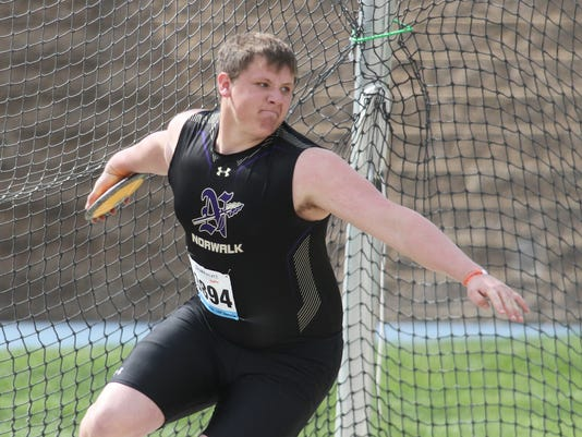 636606780815401154-sp.Drake-Norwalk-boys-discus-01.jpg