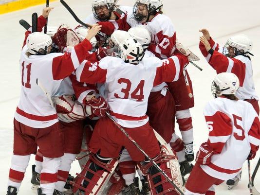 Cornell_women_hockey_day