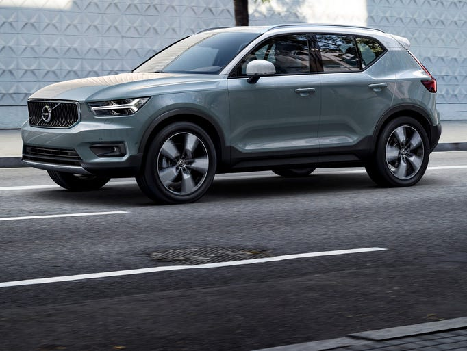 volvo offers sleek new xc40 compact suv. Black Bedroom Furniture Sets. Home Design Ideas