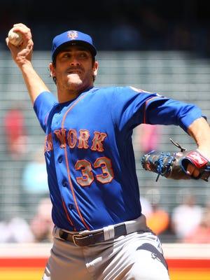 New York Mets' pitcher Matt Harvey throw to the Arizona Diamondbacks in the 1st inning on Wednesday, May 17, 2017 at Chase Field in Phoenix, Ariz.