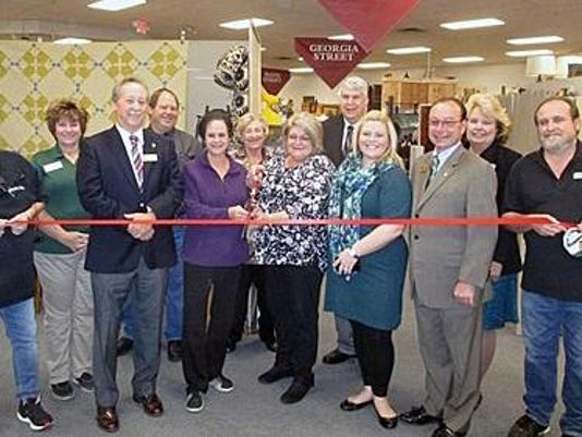 ff-Ohio valley Antique Mall Ribbon Cutting