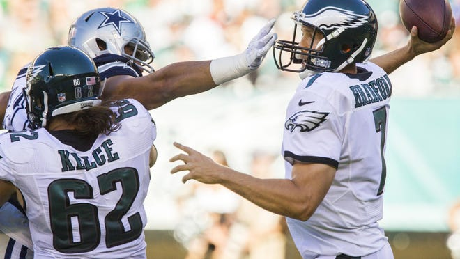 Eagles quarterback Sam Bradford delivers a pass during the Eagles 20-10 loss to the Dallas Cowboys in Philadelphia on Sunday afternoon.