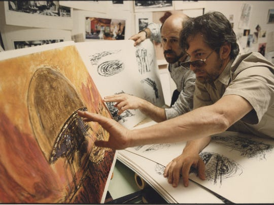 David Vogel and Steven Spielberg discuss an idea on set of Spielberg's Amazing Stories.