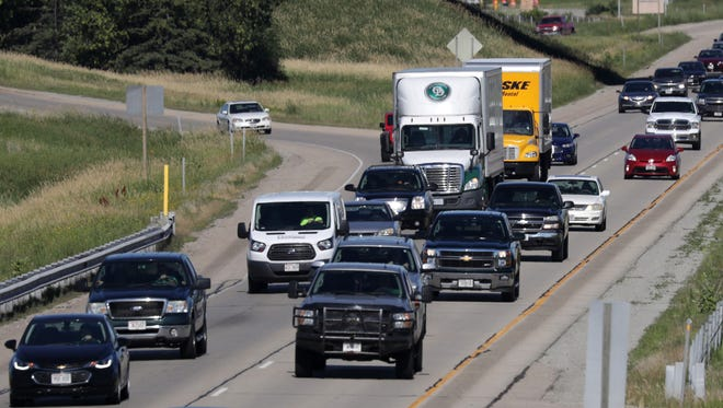 Traffic drives on Interstate 41 between Appleton and Little Chute on Monday.