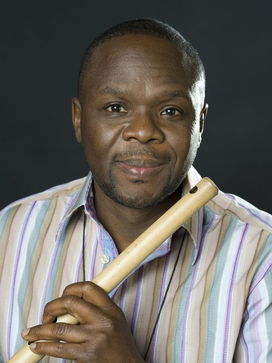 samite-on-flute