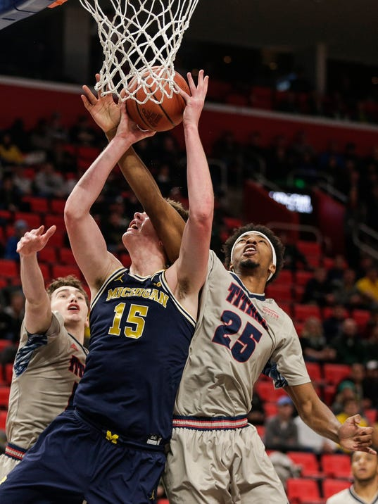 Michigan vs Detroit Mercy
