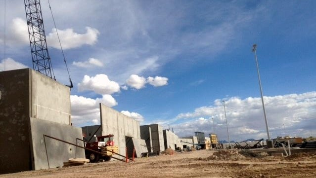 West Towne Marketplace, a 500,000-square-foot shopping center at Interstate 10 and Paseo Del Norte, is under construction.