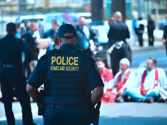 636368637362403066-BREBrd2-04-20-2017-Daily-1-B001-2017-04-19-IMG-Former-DACA-deportat-1-1-AEI48OCE-L1014529200-IMG-Former-DACA-deportat-1-1-AEI48OCE.jpg