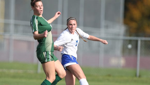 Pearl River's Kate McNally (7) scores the game winning