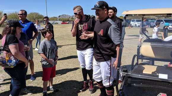 D-backs pitcher Taijuan Walker gave fans free tacos in the spring training parking lot