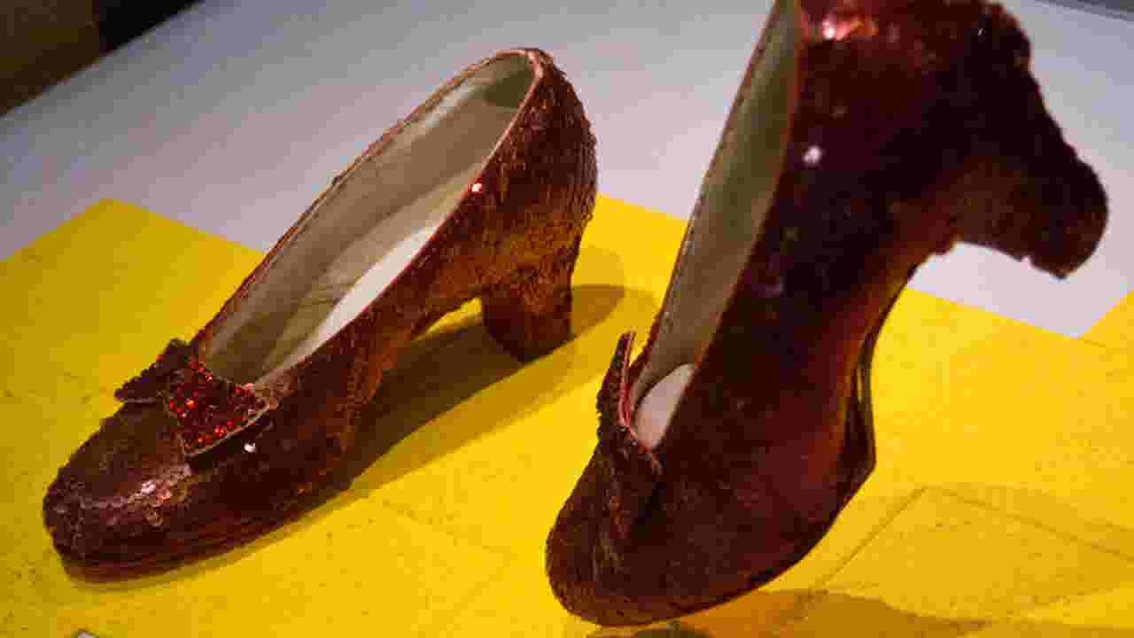 How Judy Garland S Ruby Slippers From The Wizard Of Oz Were Recovered After 13 Years