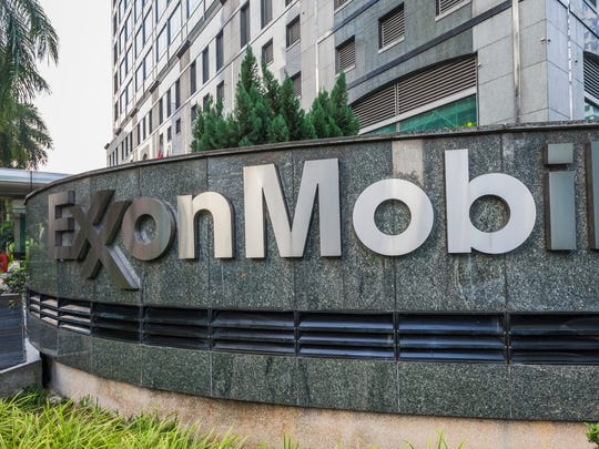 31. ExxonMobil Corporation     • Avg. salary:  $103,000     • Position with highest avg. salary:  Project control manager ($226,475)     • Position with lowest avg. salary  Retail store manager ($35,884)     • Industry:  Oil and gas