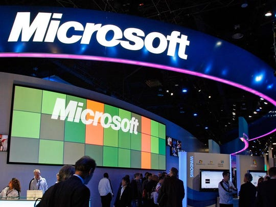 5. Microsoft     • Average salary:  $118,000 (tied)     • Headquarters:  Redmond, WA     • Industry:  Technology     Microsoft has about 131,000 full-time employees around the world. Of them, the 78,000 who work in the United States earn an average of $118,000 a year. This relatively high pay is mostly attributable to software engineers and IT managers as well as the various program and account managers needed to keep such a large company running smoothly at all levels.     ALSO READ: 25 Lowest Paying Jobs in America
