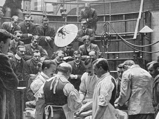 The public could see surgeries performed in the early 20th century.
