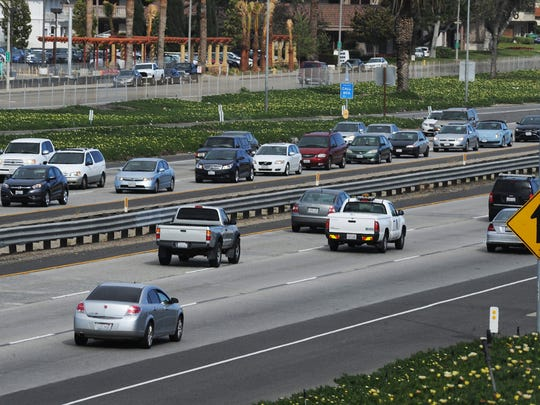 Senate Bill 1 will not provide funds to relieve congestion on Highways 101 and 118, according to the Ventura County Transportation Commission.