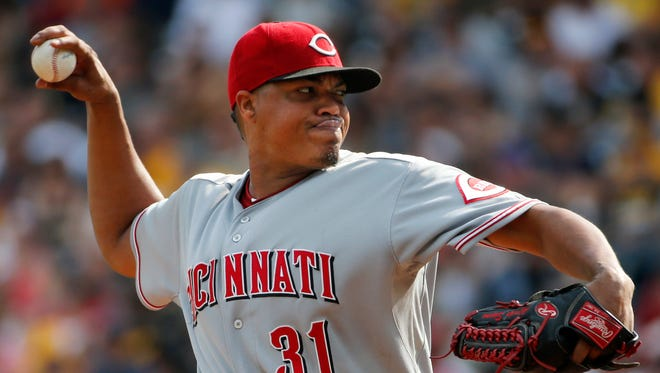 Cincinnati Reds starting pitcher Alfredo Simon (31) delivers during the first inning.