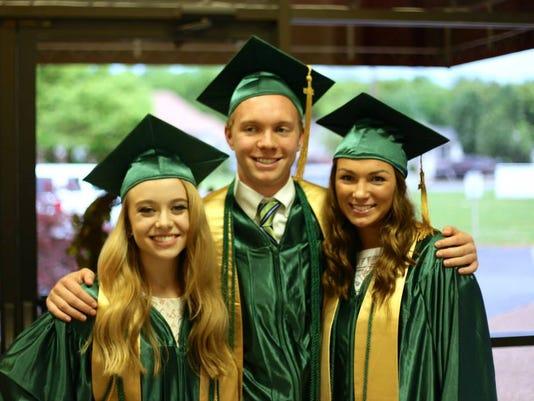 635682687759520491-Graduation