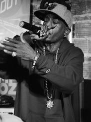 MC Rakim performs during Lampapoolza 2016.