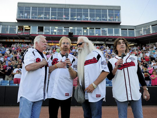 Joe Bonsall, left, Duane Allen, William Lee Golden