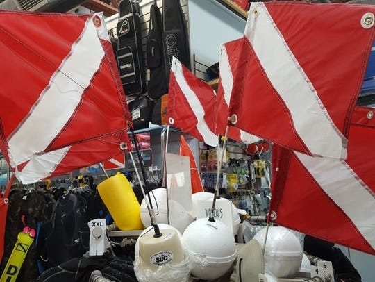 Dive flags warn approaching boaters that a diver is