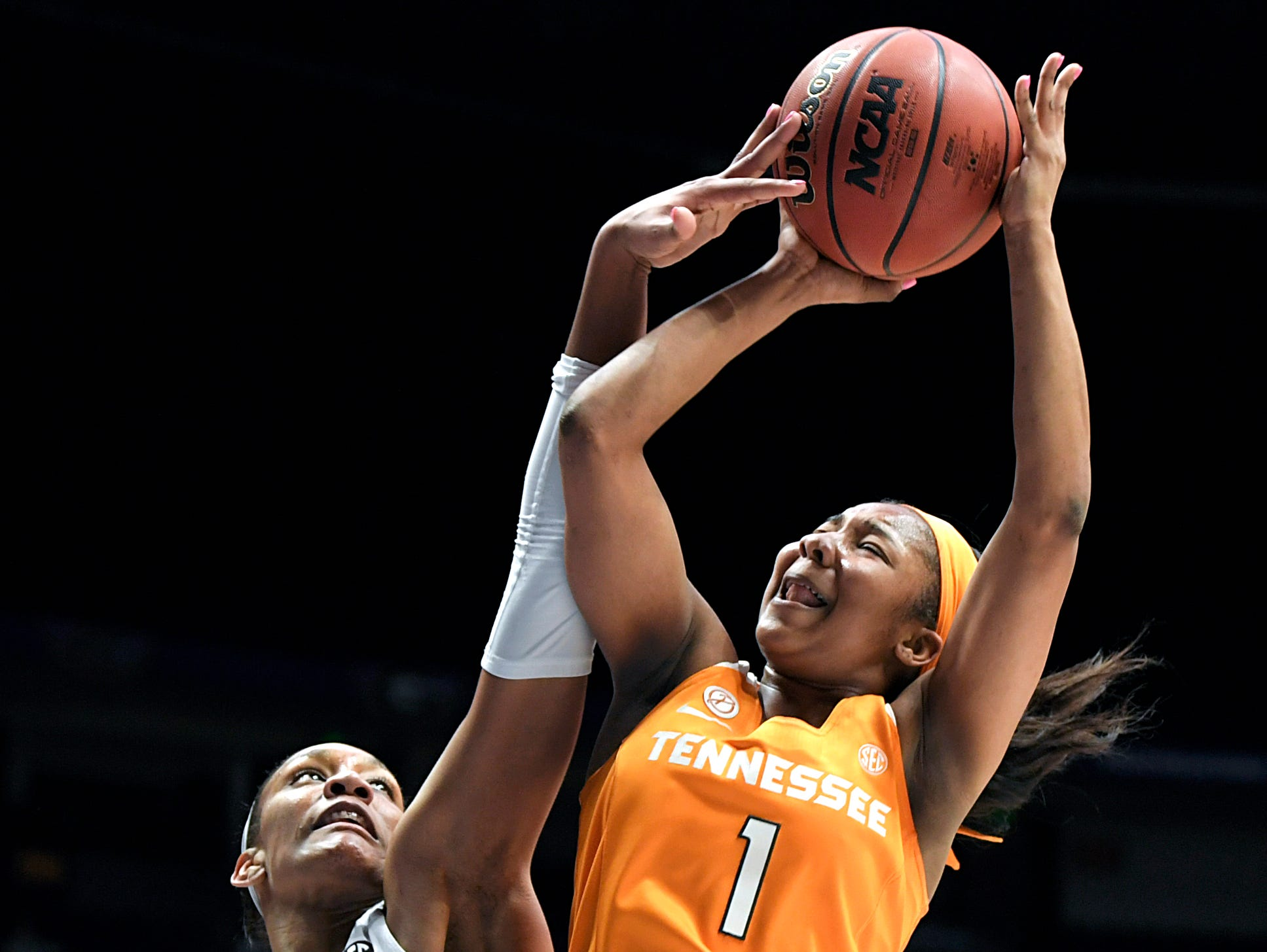 Tennessee Lady Volunteers guard Anastasia Hayes (1) get fouled by South Carolina Gamecocks forward A'ja Wilson (22) during the quarterfinals at the 2018 SEC Women's Basketball Tournament at Bridgestone Arena in Nashville on Thursday, March 2, 2018.