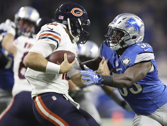 Lions linebacker Tahir Whitehead rushes Chicago Bears