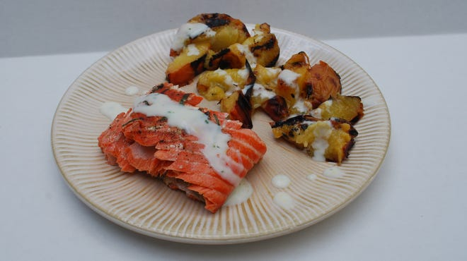 Grilled Salmon With Charred Peaches and Lemon Dressing